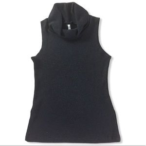$5 with purchase - Thurtleneck stretchy top